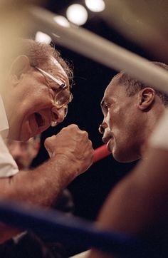 Sugar Ray Leonard and Angelo Dundee. Great boxing team.