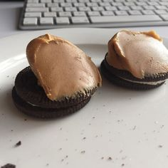 The best snack ever!!! Oreos and peanut butter. Yummy. The only problem is that I nearly ate all the peanut butter after that.  #yummy #treats #peanutbutter #oreos #howdoyoueatyours #snacks #food