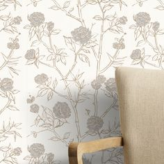 Hua Floral Wallpaper by Steve Leung - Bamboo Wall Coverings by Graham Brown Dining Room Wallpaper, Dining Room Walls, Classic Wallpaper, White Wallpaper, Bamboo Wall, My Living Room, Graham Brown, New Homes, Inspiration