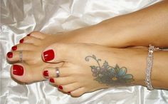 tattooed sexy feet