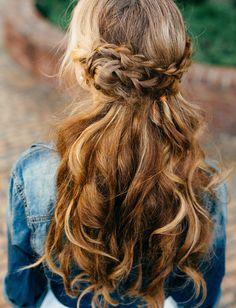15 Natural Wedding Hair Styles: Natural plaited half up half down wedding hair http://thenaturalweddingcompany.co.uk/blog/