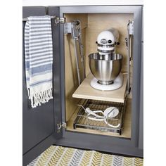 Kitchen Design Idea - Store Your Kitchen Appliances In A Dedicated Appliance Garage // This custom appliance garage perfectly fits the mixer and espresso machine inside it and keeps them out of the way when they're not in use. Kitchen Appliance Storage, Diy Kitchen Storage, Diy Kitchen Cabinets, Kitchen Cabinet Organization, Kitchen Redo, Home Decor Kitchen, Appliance Garage, Cabinet Ideas, Clever Kitchen Ideas