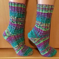 """Tinas kreative Seite - gestrickte Socken """"Überraschungsopal"""""""