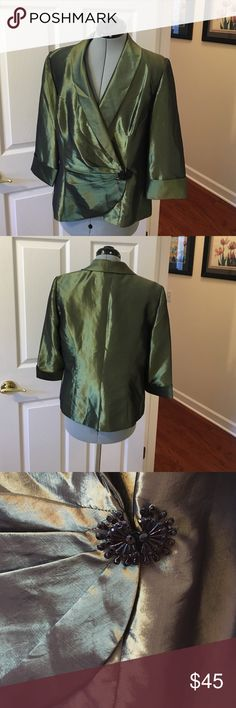 Alex Evenings formal jacket Green shiny Alex jacket , 3/4 length sleeves and decorative from clasp, double breasted and great condition Alex Evenings Jackets & Coats