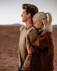 Love these two desert foxes! So grateful for our friendship 😊 Couple Photoshoot Poses, Couple Photography Poses, Couple Posing, Couple Portraits, Couple Shoot, Love Photography, Cute Couples Photos, Cute Couples Goals, Couple Pictures