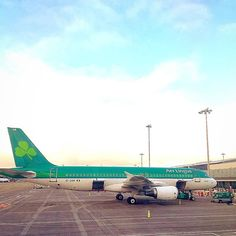 with Aer Lingus introducing their mainly white design recently, this mainly green plane is soon to become Irish airline nostalgia. Dublin Airport, Come Fly With Me, Dublin Ireland, Color Of Life, Airports, First World, Airplane, Irish, Nostalgia