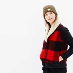hint, hint – this Woolrich buffalo plaid vest at Madewell is on my wishlist #giftwell