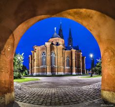 Uppsala Cathedral (Sweden) by Domingo Leiva on Places To Travel, Places To Go, Kingdom Of Sweden, Uppsala, Chapelle, Stockholm Sweden, Place Of Worship, Travel Photographer, Guinness
