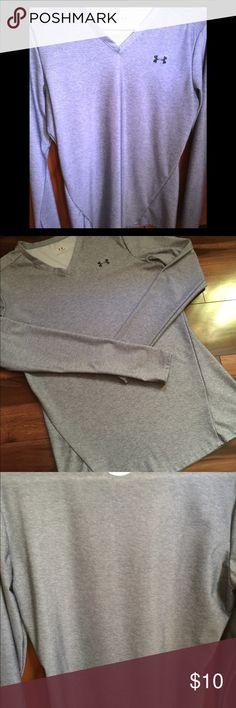 Heatgear Women's xl gray shirt Heatgear Women's xl gray shirt great condition. heatgear Tops Tees - Long Sleeve