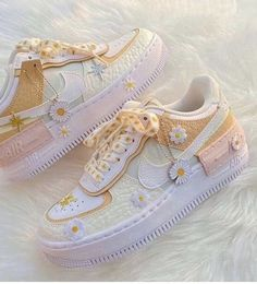 Dr Shoes, Cute Nike Shoes, Swag Shoes, Cute Nikes, Cute Sneakers, Hype Shoes, Shoes Jordans, Shoes Sneakers, Sneakers Women