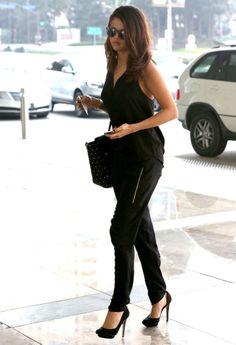 Le total look noir de Selena Gomez à Los Angeles