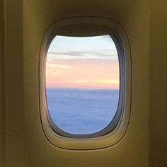 Beautiful window  #AirFrance #FranceisintheAir #AVgeek #instaviation #instaflight #instaplane #skyview #sunrise #nofilter #picoftheday Hotels-live.com via https://www.instagram.com/p/BBaJ-Waq1IP/