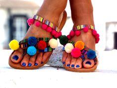 "Pom Pom sandals, Colorful leather Sandals, boho Sandals, ""Goa""  Greek Sandals, barefoot sandals, hippie leather shoes, Summer shoes de DelosArtist en Etsy https://www.etsy.com/es/listing/286496241/pom-pom-sandals-colorful-leather-sandals"