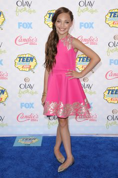 f0568cdf5a72 Maddie Ziegler attending the Teen Choice Awards 2014