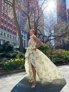 Monique Lhuillier Bridal Spring 2022 Trunk Show @leliteboutique May 27 - 30 Wedding Dress Trends, Wedding Dresses, Elite Bridal, Monique Lhuillier Bridal, Fashion Themes, Formal Looks, York, Ivory Wedding, Beautiful Outfits