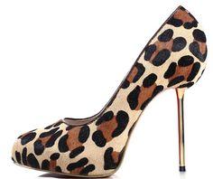 Discount designer boots, shoes and handbags. WholesaleBootsNShoes.Com. http://www.wholesalebootsnshoes.com/