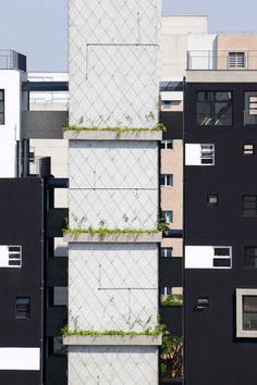 Fidalga 727 © Triptyque Architecture