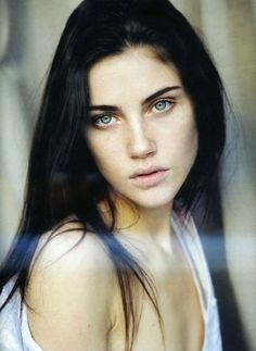Anna Christine Speckhart, model, as Alec Lightwood's daughter Victoria.