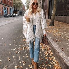 winter outfits with uggs Kathleen Post on Instagra - winteroutfits Chic Winter Outfits, Winter Outfits Women, Winter Outfits For Work, Casual Fall Outfits, Spring Outfits, Cute Outfits, Autumn Outfits, Work Outfits, Legging Outfits