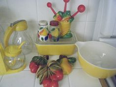 federal glass and yellow pyrex and some more fruit chalkwa… | Flickr - Photo Sharing!