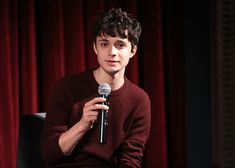 Actor Lucas Jade Zumann attends The Academy of Motion Picture Arts and Sciences Hosts an Official Academy Screening of CENTURY WOMEN at MOMA - Celeste Bartos Theater on December 2016 in New York City. Gilbert Blythe, Pretty Men, Pretty Boys, Lucas Jade Zumann, Gilbert And Anne, Amybeth Mcnulty, 20th Century Women, Anne White, Anne With An E