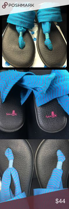 Sanuk sandals Very pretty print! Blue fabric with pink linear pattern. Size 9. In EUC. Super comfortable💕 Worn twice Sanuk Shoes Sandals