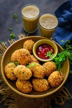 Veg Cutlets are Indian tea time snack made using a variety of vegetables. These are mostly fried until crisp and browned but you can definitely bake or air fry them for a healthier version. Here is how to make Veg Cutlet Recipe. Veg Cutlet Recipes, Cutlets Recipes, Indian Food Recipes, Vegetarian Recipes, Cooking Recipes, Vegetable Cutlets, Tea Time Snacks, Evening Snacks Veg, Indian Breakfast