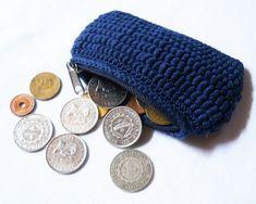 BULLIONOBIA Coin Purse  http://moiracrochets.hubpages.com/hub/Crochet-BULLIONOBIA-Coin-Purse-Free-Pattern