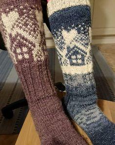 Knitting Socks, Leg Warmers, Mittens, Crochet Top, Diy Crafts, Tights, Bricolage, Tricot, Weddings
