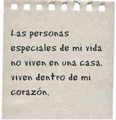 las personas especiales viven dentro de mi corazon  - http://imagenesconfrasesdeluxe.com/las-personas-especiales-viven-dentro-de-mi-corazon/