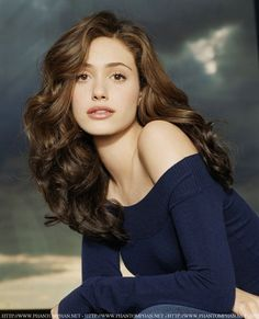 Emmy Rossum makeup & hair. This is the length and cut I'm going for!