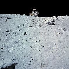 Charlie Duke and LRV at North Ray crater April 1972 Moon Missions, Apollo Missions, Programa Apollo, Apollo Spacecraft, Apollo 16, Apollo Space Program, Moon Landing, Space Shuttle, Space Travel