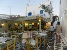 Fotografía: Laura Varela Santorini, Mykonos Grecia, Greece Islands, Beautiful Islands, Spain, Outdoor Decor, Home Decor, Greek Isles, Athens