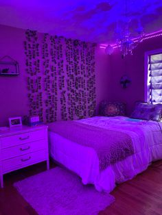 Room Ideas Bedroom, Teen Room Decor, Small Room Bedroom, Bedroom Decor, Bedroom Inspo, Chill Room, Cozy Room, Neon Room, Indie Room
