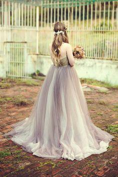 Wedding Dress by Janita Toerien Photo by Kathrin Gallova Gray Wedding Colors, Gray Weddings, Bridesmaid Dresses, Wedding Dresses, Beautiful Cakes, Separate, Ball Gowns, Purple, Grey