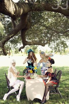 Tea Party vibe alice in wonderland loveeee