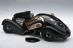 Bugatti Atlantic. quite possibly the coolest car ever!Classic Car Art&Design @classic_car_art #ClassicCarArtDesign