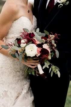 Wedding dress is a showstopper as well as wedding bouquet -- you will carry in your hands as you walk down the aisle on your wedding day. The perfect wedding bouquet that will make a statement and blend in with your wedding theme and dress on the day. Bridal Bouquet Fall, Fall Bouquets, Fall Wedding Bouquets, Fall Wedding Flowers, Fall Wedding Colors, Bride Bouquets, Bridal Flowers, Fall Flowers, Flower Bouquet Wedding