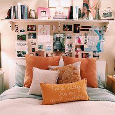 bedroom, decor, home, interior discovered by Aiyana Dream Rooms, Dream Bedroom, Home Bedroom, Bedroom Decor, Teen Bedroom, Bedroom Ideas, Bedroom Apartment, Bedroom Modern, Warm Bedroom