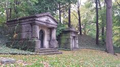 Lake View Cemetery is home to more than graves and occupies 285 acres—which can only increase the chances of it being haunted. Cemetery Angels, Cemetery Art, Most Haunted Places, Scary Places, Mysterious Places, The Buckeye State, One Day Trip, Ghost Hunting, Lake View