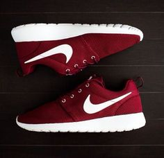 Nike roshe run bordeaux <3