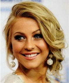 I definitely want to do this hairstyle for my future wedding :)