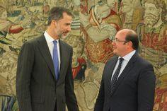 Don Felipe conversa con el presidente de la Región de Murcia, Pedro Antonio Sánchez Palacio de La Zarzuela. Madrid, 21.07.2015