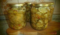 Skvělý tip, jak zavařit okurky v myčce nádobí Homemade Pickles, Cucumber, Mason Jars, Cooking Recipes, Canning, Weddings, Pickles, Author, Syrup