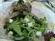 Devaneios Culinários da Tiazinha: Salada de Espinafres com queijo e codernizes grelh...