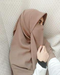 Selfie Hijab Gown, Hijab Niqab, Muslim Hijab, Beautiful Hijab Girl, Beautiful Muslim Women, Niqab Fashion, Muslim Fashion, Hijabi Girl, Girl Hijab