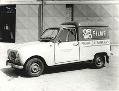 Osztrák rendszámos, NDK-s fototermékeket szállító francia autó, pontosabban egy F4!
