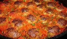Κεφτεδακια Φουρνου Κοκκινιστα Με τα αρωματικά τους , με τα όλα τους. Και με πηχτή κόκκινη σάλτσα. Μια συνταγη μούρλια ,  που θα ενθουσιάσει την παρέα σας σε ένα Κυριακάτικο τραπέζι.    ΥΛΙΚΑ    Κεφτέδες  1 κιλό κιμά μοσχαρίσιo  1 Μεγάλο κρεμμύδι