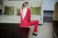 Jumpsuit. Red. Backless.