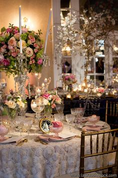 Soft romantic table inspired by Marie Antoinette and Versailles. Photographer: Laura Ashbrook
